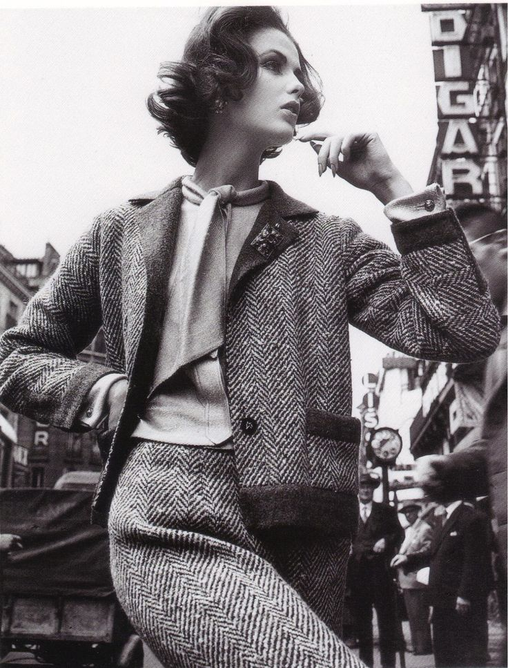 1963 - Model Dorothea McGowan in a Chanel suit, photographed by William Klein.