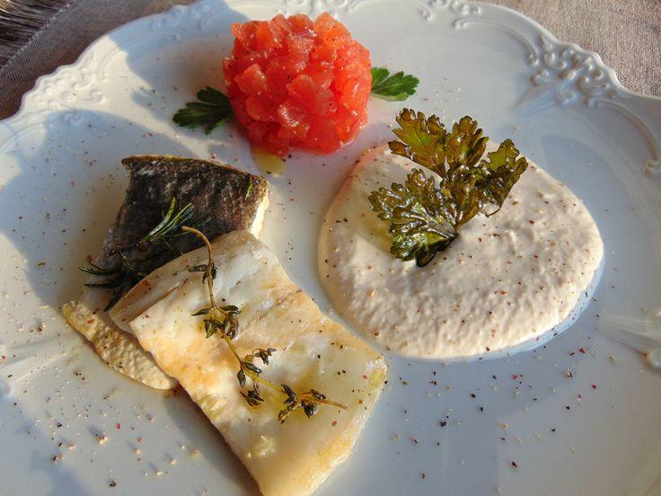 """AbruzzoIN…cucina. Ricetta Prof. Antonella Petrella: """"filetto branzino con mousse salmone e tartare di pomodori"""""""