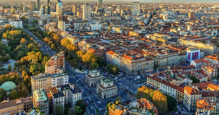 În zilele noastre, când te gândești la Milano, neapărat îţi trec prin minte fotomodelele de pe catwalk. Dar istoria modernă nu reuşeşte să o eclipseze pe cea clasică. Află cu ce te întâmpină acest oraș fantastic! <3 https://issuu.com/performance-rau/docs/nr-51-apr-2016/54 #travel #AroundTheWorld #RevistaPerformance