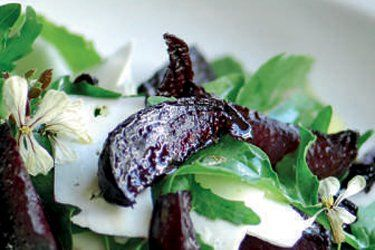 Balsamic-roasted Beetroot with Goat's Cheese and Rocket recipe, Listener – Served on its own as a starter or light lunch, this is a delicious way to use the beetroot from the garden. – foodhub.co.nz