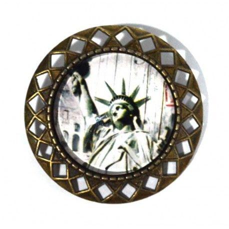Sueñas con NEW YORK.....❤ ❗ENVIO GRATIS❗⬇ http://www.misstendencias.com/21-broches #newyork #broches #viajes #complementos #tendencias #blogger #cool #chic #outfit #style #streetstyle #barato #regalos #detalles #dateuncaprichohoy