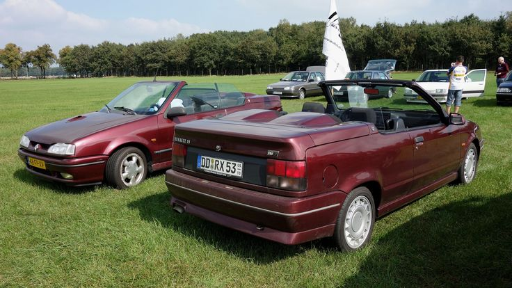 Renault 19 Cabriolet 16S /V  (front: Ph-1, 1991/92 - behind: Ph-2, 1992-97) | by Opron