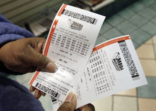 U.S. Powerball lottery jackpot surges to record $900 million... #MegaMillions: U.S. Powerball lottery jackpot surges to… #MegaMillions
