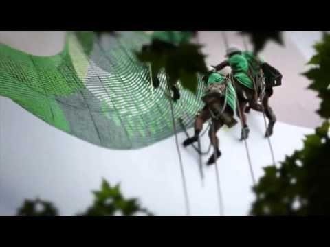 #nike free flyknit  live knitting #billboard by wieden + kennedy