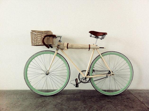 BikeBicycles, Mint Green, Umbrellas Holders, Vintage Bikes, Riding, Vintage Wardrobe, Cycling, Retro Bikes, Baskets
