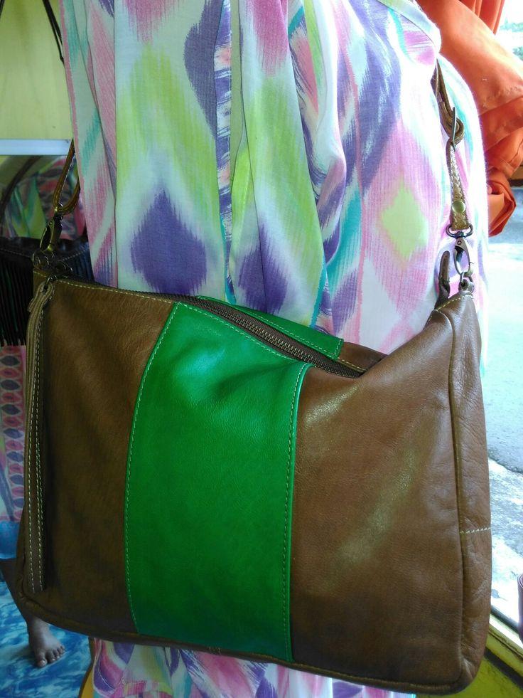 Laris leather clutch