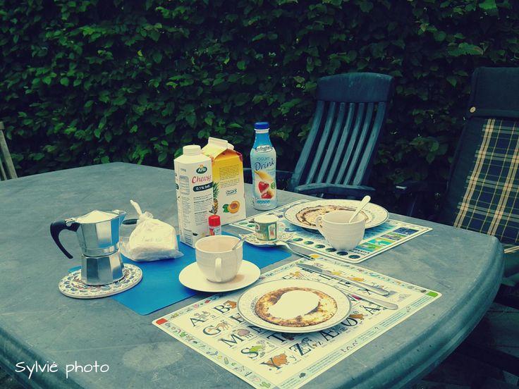 Nordic Style Breakfast.. and Italian coffee! - Sylvié Photo