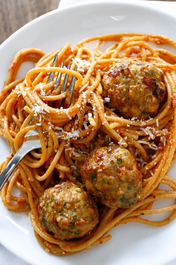 We use lean turkey, sweet sun-dried tomatoes, Romano and toasted breadcrumbs for this beloved meatball recipe. Serve with your favorite pasta!