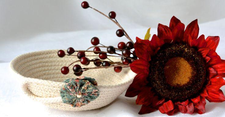 WexfordTreasures: Cute Desk Accessory Bowl, Handmade Green Basket, Modern Clothesline Basket…