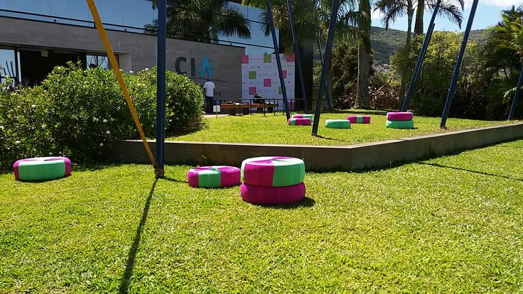 Puffs de pneus para Festival Social Good Brasil