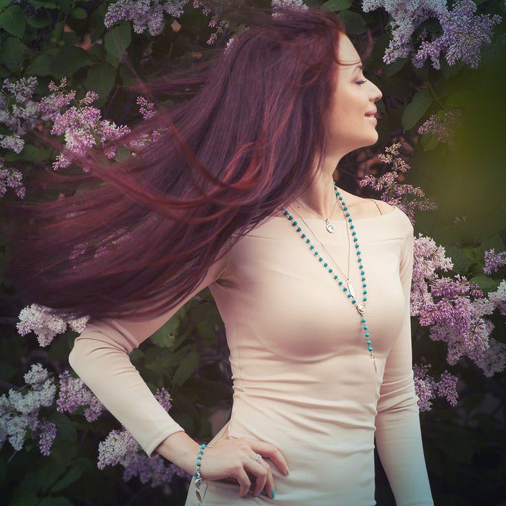 Счастье - когда внутренняя гармония сливается с внешней красотой. Мы все прекрасны, если уделяем внимание себе. Розарий и браслеты из бирюзы с серебряными подвесками. Вся коллекция в инстаграм @agnimarina.jewelry. Заказ в вотсап +79858096072 Доставка по всему Миру. Happiness - when inner harmony mixed with external beauty. We're always fine, if pay attention to yourself. Surf rosarium and bracelets made of natural stones with silver pendants. Order to WhatsApp +79858096072 The whole…