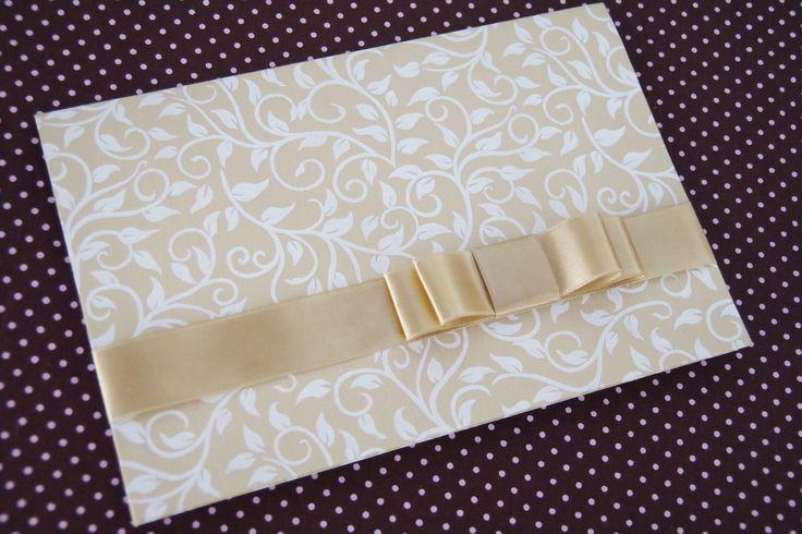 Modelo 101 forrado com tecido de arabesco dourado  www.geminiarte.com