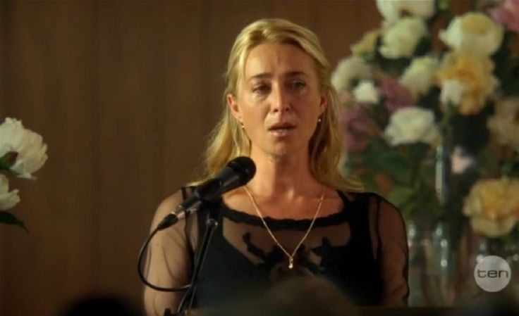 Offspring season 4 finale - Patrick's funeral - Nina