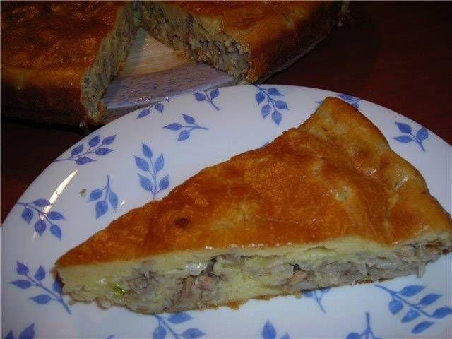 Заливной пирог с сайрой и рисом