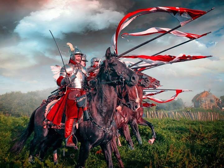 ~J     polish warriors ...  Husaria Przed Pałac
