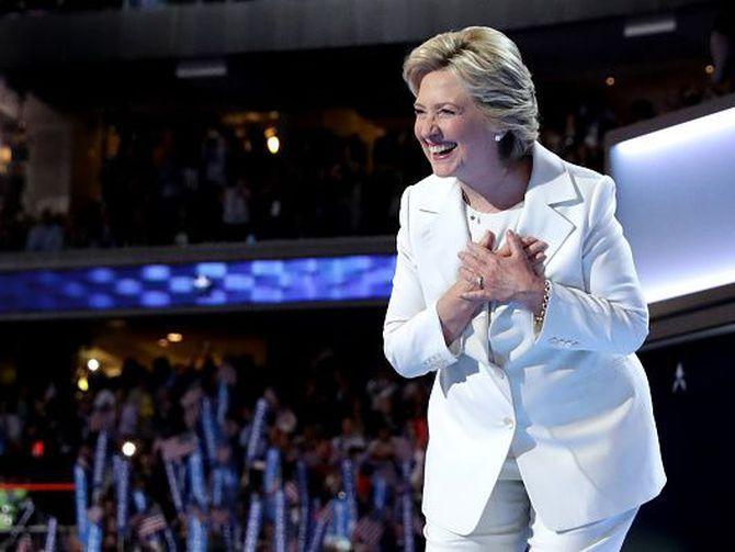 'Pantsuit Nation': Inside the secret Hillary Clinton Facebook group - CNET