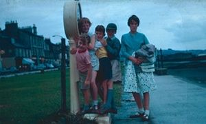 Early 60s east coast of Scotland: looks like a very British Bank Holiday