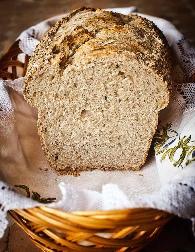 Pan de molde rustico de espelta con masa madre.