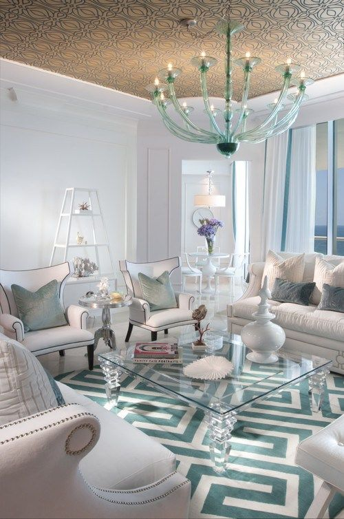 South Floridian getaway inspired by old Hollywood glamour | Trying to Balance the Madness