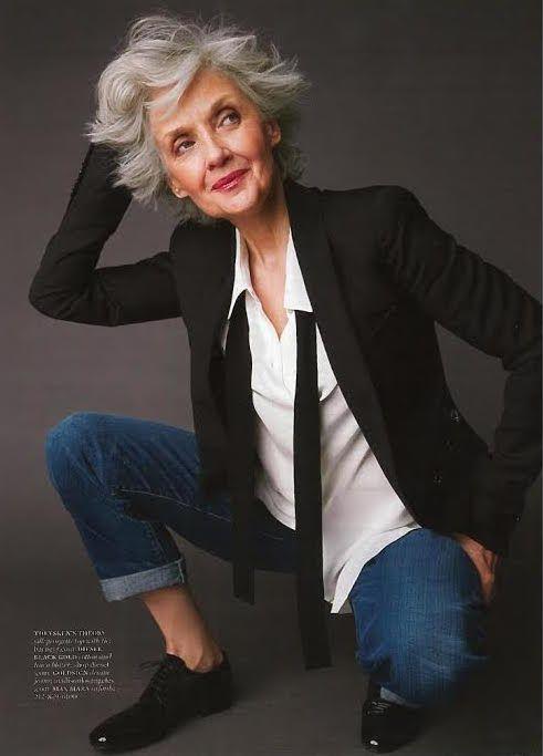 ideas style vestimentaire femme 50 ans by Queer Fashion, Mature Fashion, Older Women Fashion, Tomboy Fashion, Fashion Over 50, Womens Fashion, Tomboy Style, Fashion Menswear, Fashion Night