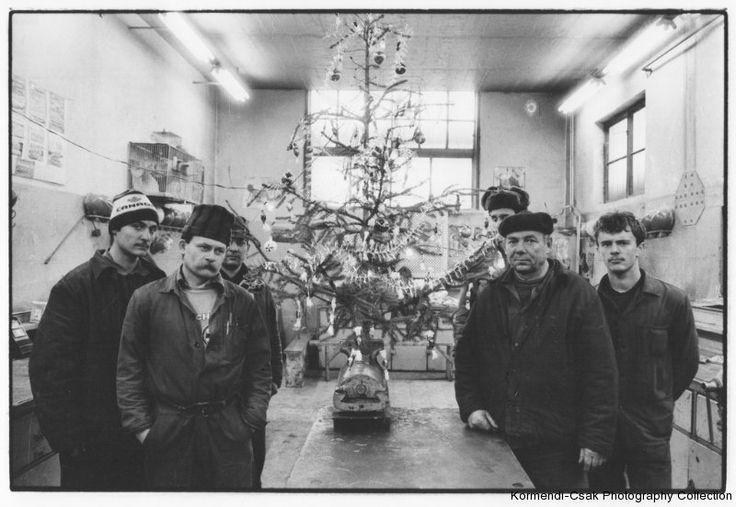 BENKÕ Imre: Csõszerelõ mûhely. Ózd, 1989 Plumber's workshop. Ózd (Hungary), 1989