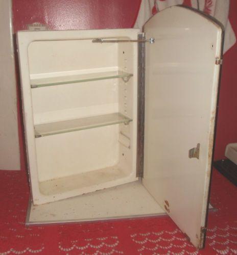 Vtg-Antique-Recessed-Medicine-Cabinet-Beveled-Etched-Mirror-Glass-Shelves-LAWSON