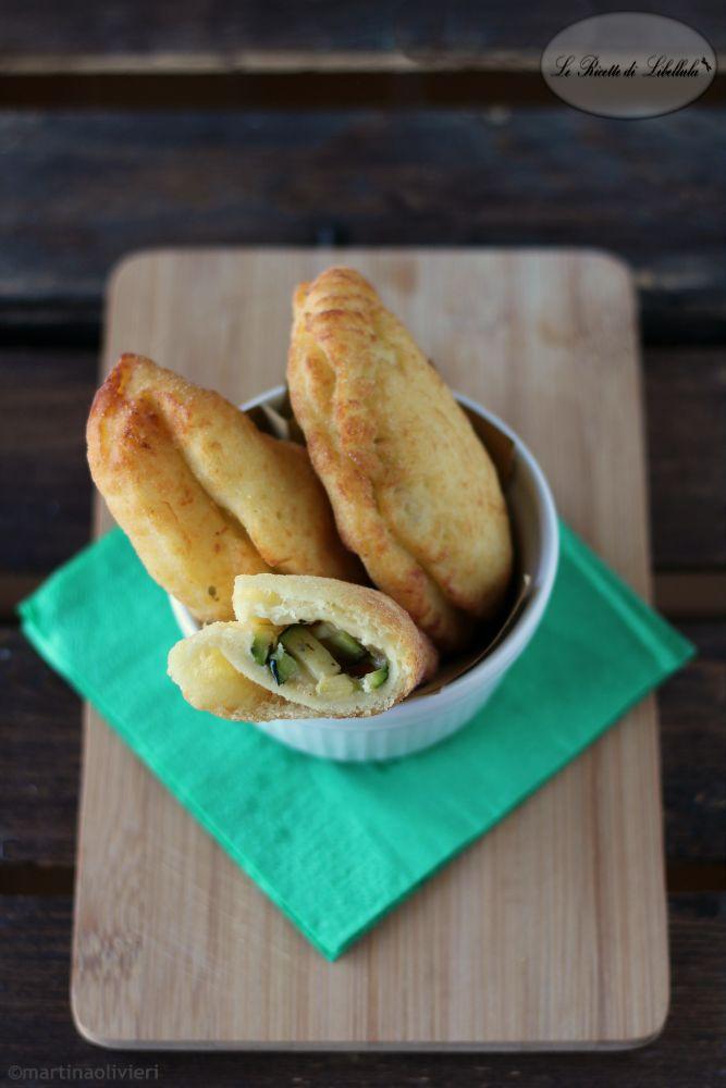 panzerotti di patate con zucchine e formaggio