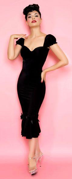 : Pinup Girls, Girls Classic, Wiggle Dresses, Girls Clothing, Lolita Girls, Little Black Dresses, The Dresses, Pin Up Dresses, Classic Black