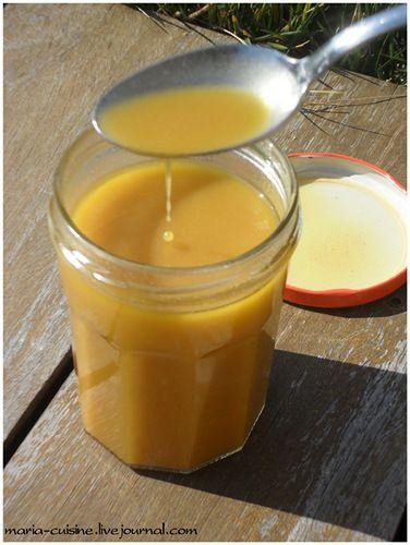 Соус-винегрет.// Соус-винегрет - это эмульсионный нестабильный соус, холодный или в некоторых случаях тёплый. Им заправляют листовые и овощные салаты, подают с отварными белыми субпродуктами и т.д.Ингредиенты (пропорции эти относительные, ориентируемся на свой вкус и выбранные ингредиенты): масло растительное - 250 мл уксус - 75 мл горчица (факультативно) - 10 гр соль перец  Приготовление: Смешать уксус, соль, перец (и горчицу), хорошо перемешать, чтобы растворить соль. Постепенно влить…