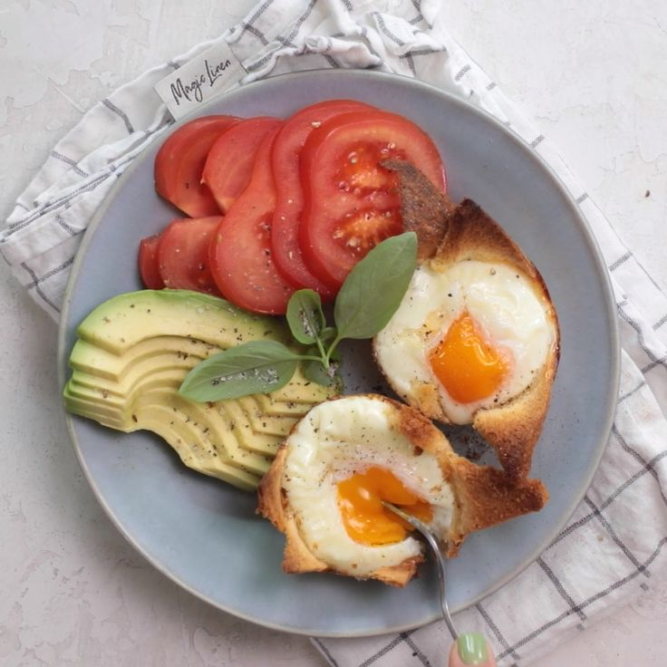 Baked Eggs in Bread