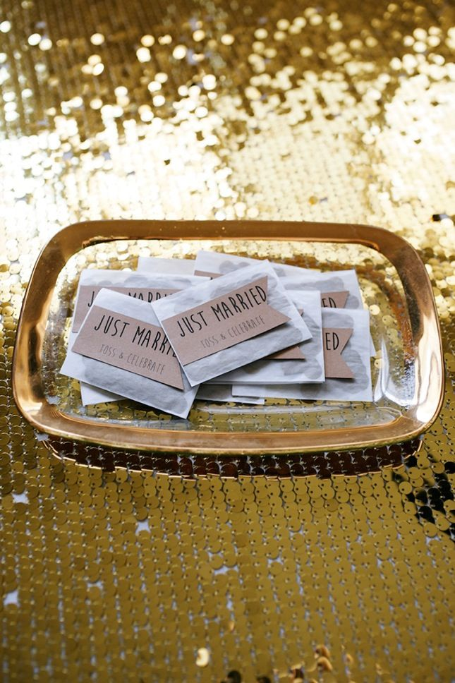 Save this for 20 black and gold detail ideas for your glam New Year's Eve wedding.
