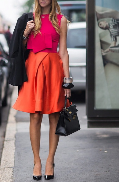 Stiletto Zara. Orange Skirt. Shocking Top. Tali bening.