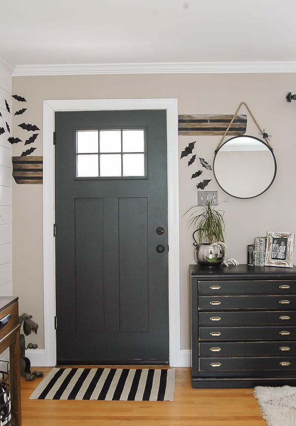 A batty Halloween entryway full of easy DIY projects and thrifty decor! http://Littlehouseoffour.com