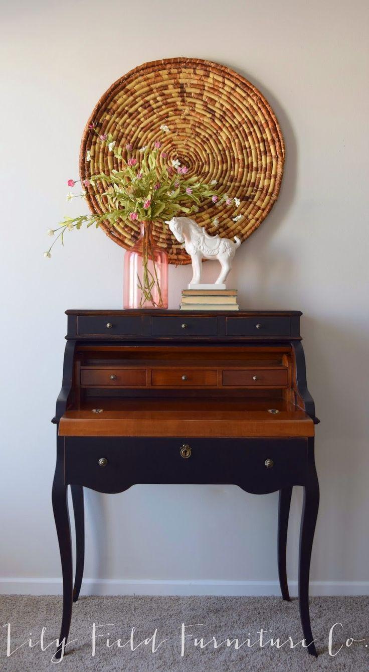 Stylish Secretary Desk #DIY #furniturepainting #secretarydesk - www.countrychicpaint.com/blog