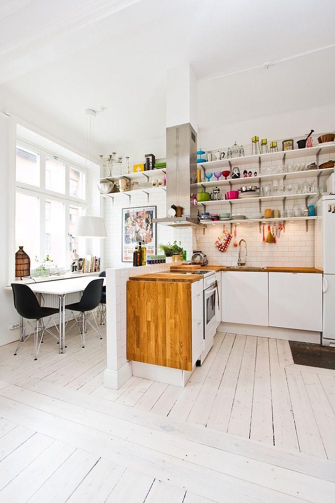 Gorgeous kitchen diner area.