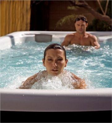 Le spa de nage : la solution proposé par Aquilus pour être en forme cet été ! www.aquilus-piscines.com