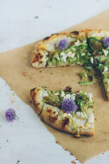 olive oil flatbread with asparagus and caramelized onion spread / recipe