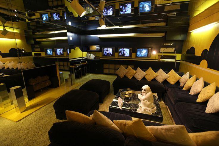 GRACELAND | Elvis Presley's TV room in Graceland