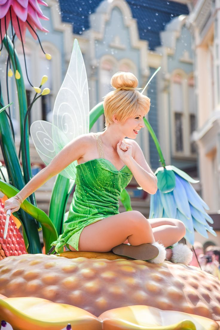 Tinkerbell in the Festival of Fantasy Parade at the Walt Disney World Resort. Meg & Her Camera Photography (instagram @disneyworlddust)