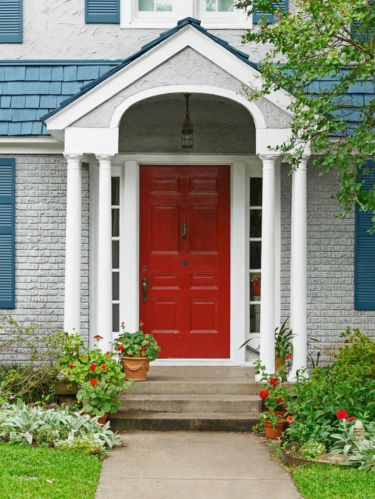 Narrow doric columns on either side of the front door support the portico without looking imposing & 131 best House Plans images on Pinterest | Victorian house plans ... Pezcame.Com