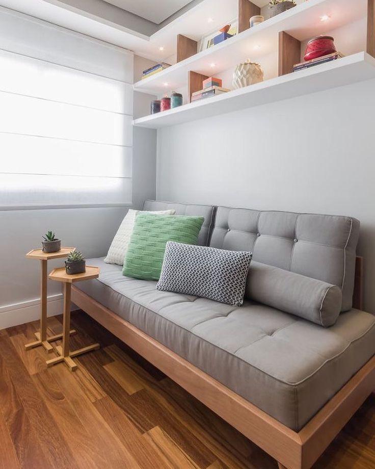 Decoração ideal para quem tem um escritório em casa, e no final de semana, vira quarto para visitas 😅!Gostou da ideia? Marque um amigo que tem escritório em casa 👇🏻..Referência: @pinterest