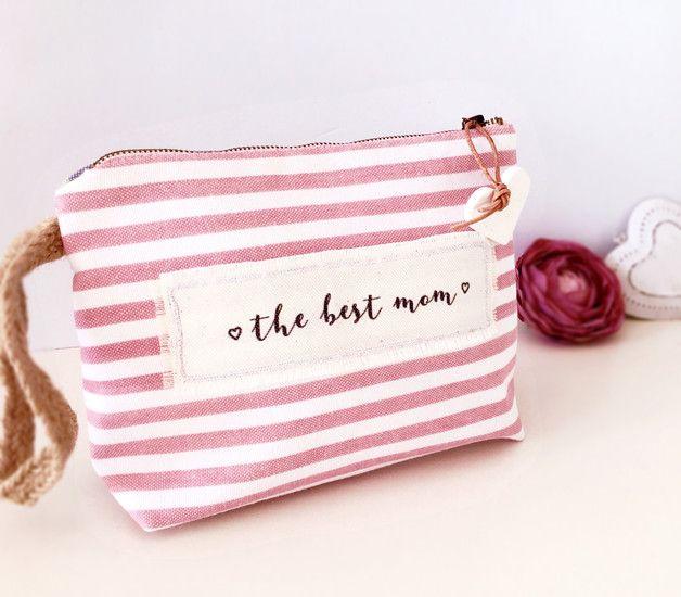 Niedliche Kosmetiktasche für die beste Mama zum Muttertag / cute cosmetic bag for mother's day made by SmallWhims via DaWanda.com