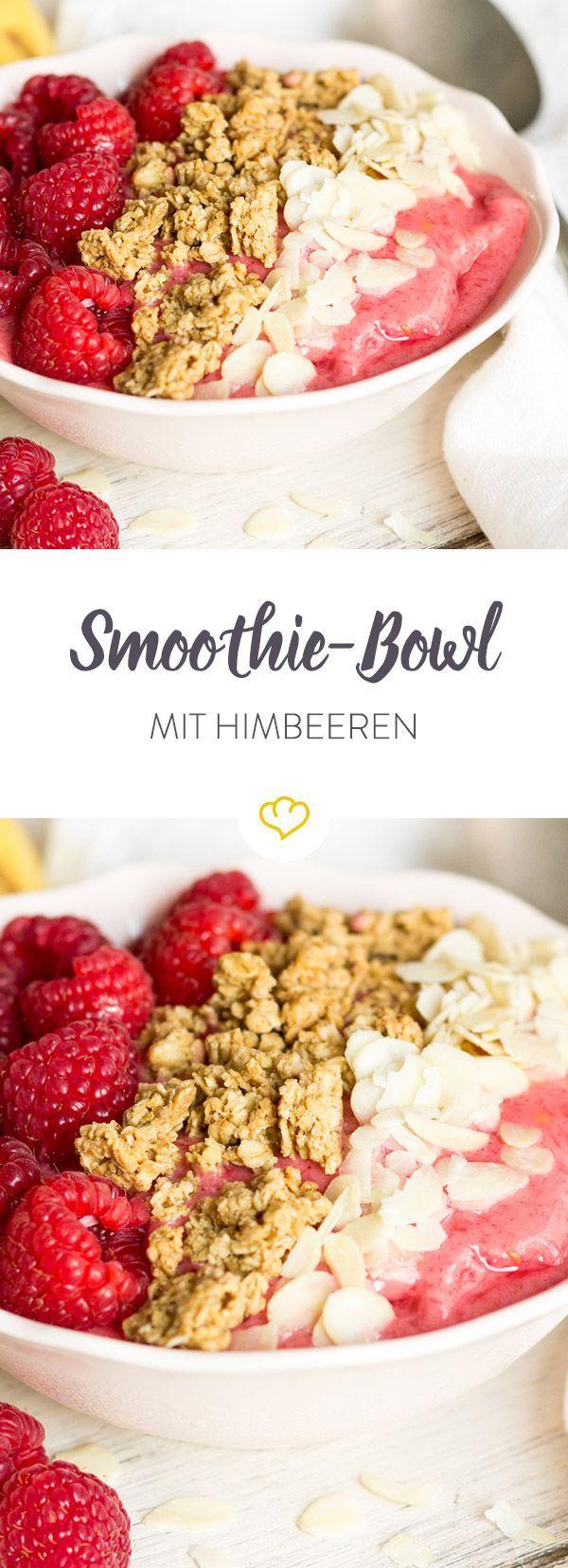 Diese Frühstücksschale ist der Garant für gute Laune am Morgen und die Schönste unter allen Bowls - Himbeeren, Bananen und Mandelmus sei Dank!