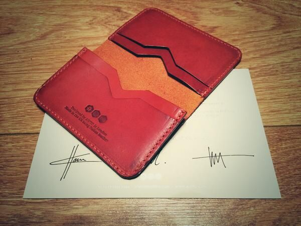 TWITTER: Hello @AJOTO wallet. Almost too good looking to put in my pocket! #designedwithintent - Armin Talić (@Armin Talić)