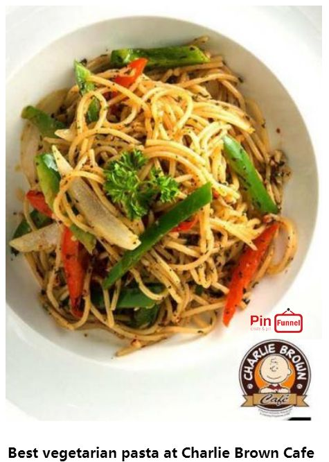 Best vegetarian pasta spaghetti specials deal 2018 at Charlie Brown Cafe, Orchard Road, Singapore, the best comics themed cafe at Cathay Cineleisure Orchard. It is   Singapore MUIS Halal certified restaurant and cafe.