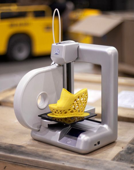 "At the 2012 Consumer Electronics Show in Las Vegas printer manufacturer 3D Systems has launched the first ""consumer"" 3D printer that isn't a kit, nor prohibitively expensive."