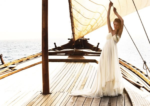Something in my wedding/honeymoon will involve a boat.: Wedding Dressses, Sailboats, Dresses Fashion, Sailing Away, The Dresses, Fashion Pictures, Beaches Wedding, Summer Clothing, Sailing Boats