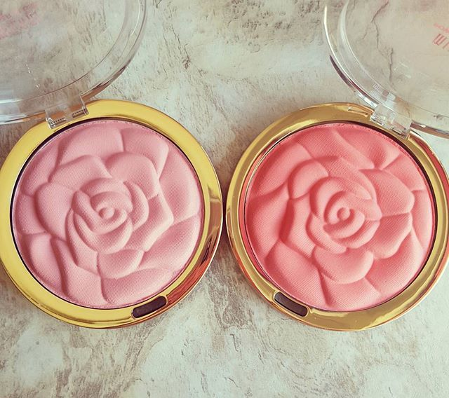 I added another @milanicosmetics Rose blush to my collection, they're just too irresistible! Left- Tea Rose Right- Coral Cove ❤❤ . . . . . #makeup #beauty #cosmetics #makeupblogger #makeupblog #beautyblogger #beautyblog #blusher #blush #cheeks #peach #peachblusher #pinkblusher #pink #milani #milanimakeup #milanicosmetics #rose #roseblush #makeupflatlay #flatlay #motd #makeupoftheday #lipstickluck