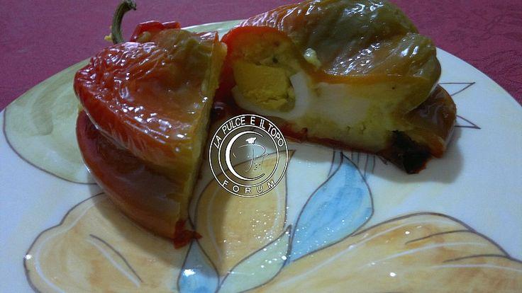 Oggi è Venerdì, si mangia di magro, tornando dalla spiaggi si ha voglia di qualcosa di fresco... questi peperoni ripieni io li adoro!!!! http://www.lapulceeiltopo.it/forum/ricette-secondi-alternativi/1665-peperoni-ripieni-di-magro#2285