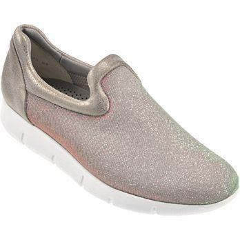 Paul Green 4308-097  extraleichter Slipper von Paul Green aus metallic-farbenem Textil sowie feingenarbtem Leder. Je nachdem in welchem Licht man steht, erscheint der Schuh Rot oder Grün!